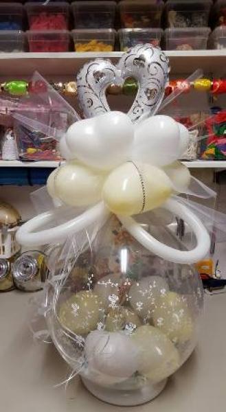 gabis ballonerie geschenk im ballon verpackt hochzeit. Black Bedroom Furniture Sets. Home Design Ideas